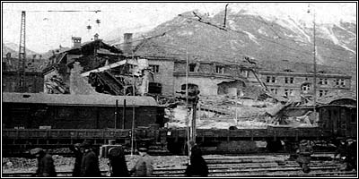 The main train station in Innsbruck after a 1944 air raid. From 'im Bombenkrieg' by Thomas Albrich.